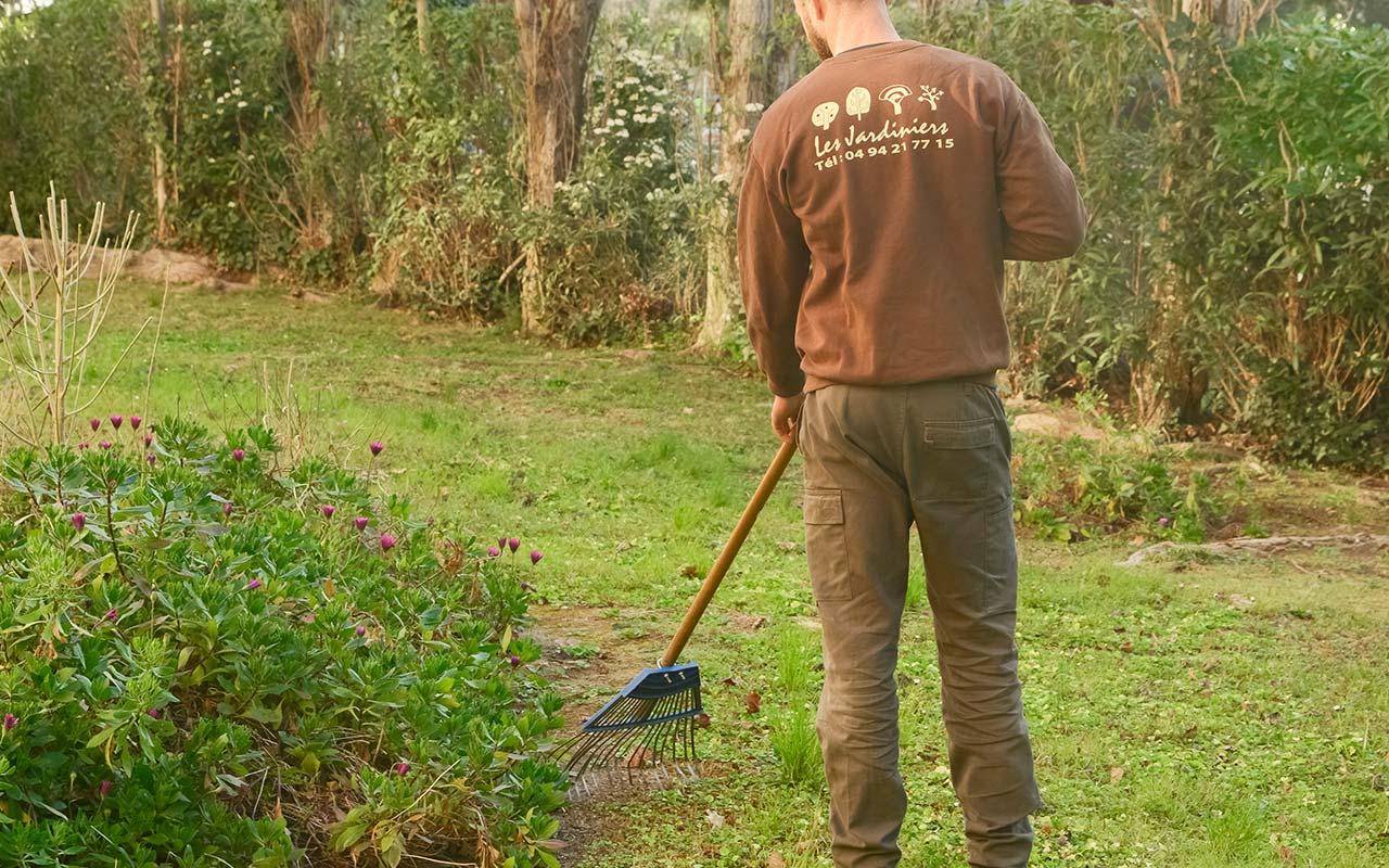 Entretien jardin résidence - Sociéte Les Jardiniers ...