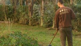 L'équipe Les Jardiniers mobilisée pour continuer l'aménagement et l'entretien des jardins en période de Covid-19