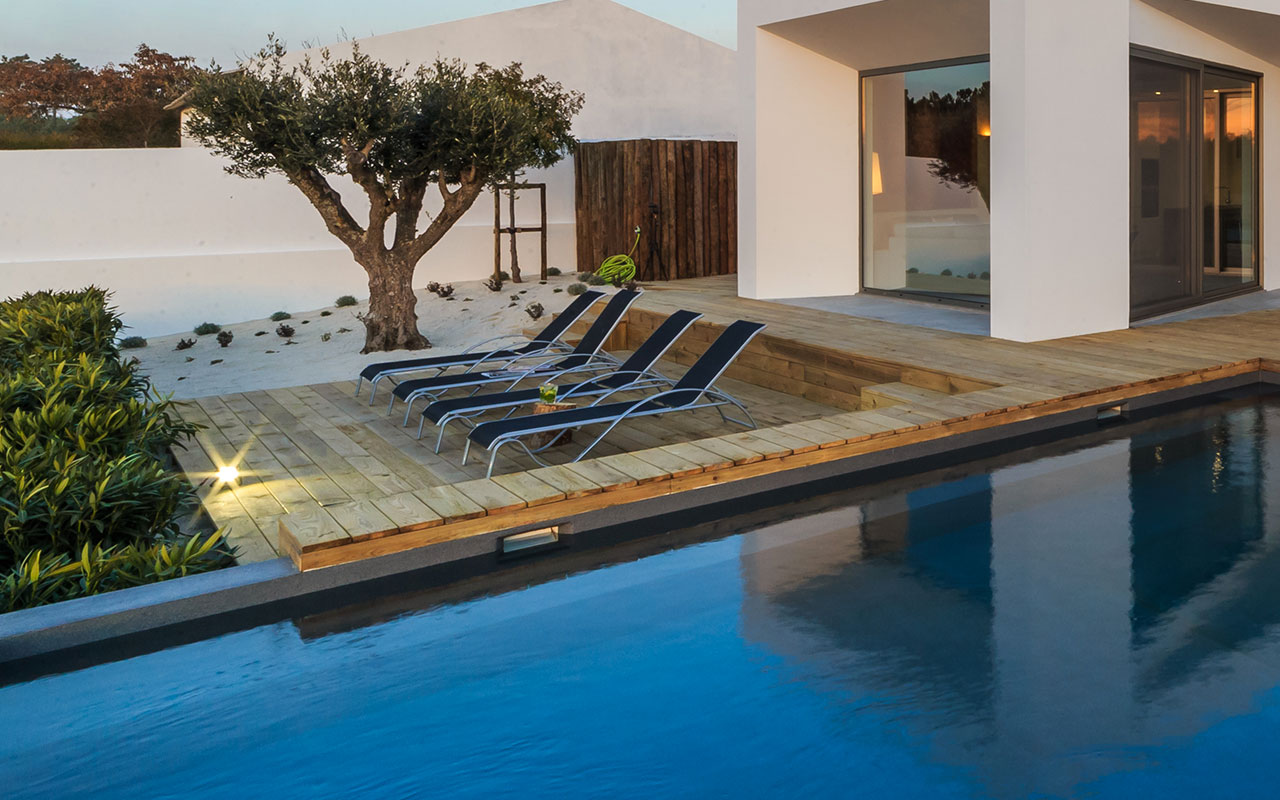 pose-terrasse-bois-piscine-Toulon-83