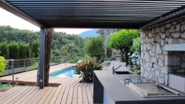 Aménagez une cuisine d'été au jardin pour profiter de la vie en plein air!